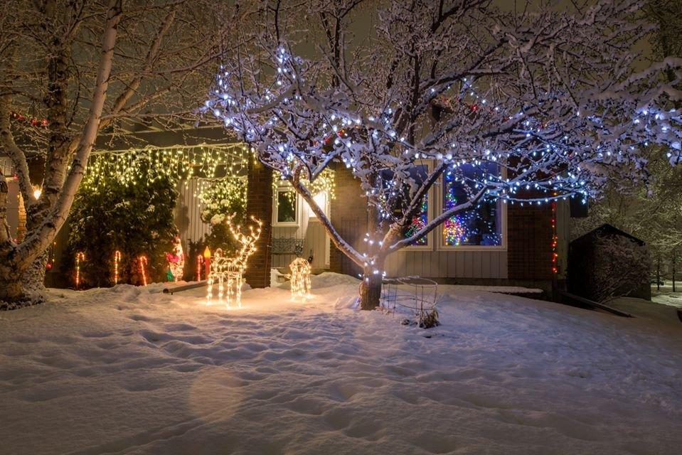 W najkrótsze i najciemniejsze dni roku świąteczne światełka nadają blasku Calgary. 7