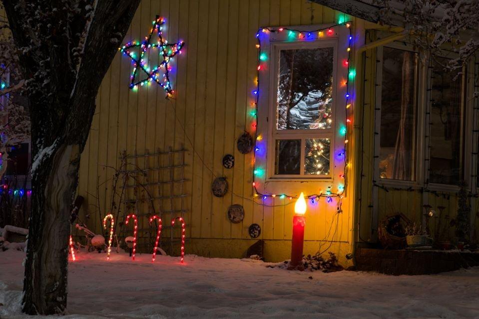 W najkrótsze i najciemniejsze dni roku świąteczne światełka nadają blasku Calgary. 2