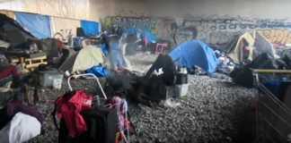 homless tent in Canada