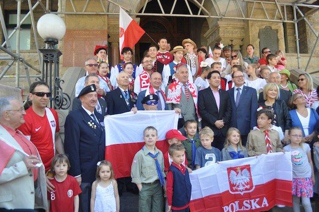 Dzien Flagi Polskiej Pod Ratuszem w Calgary
